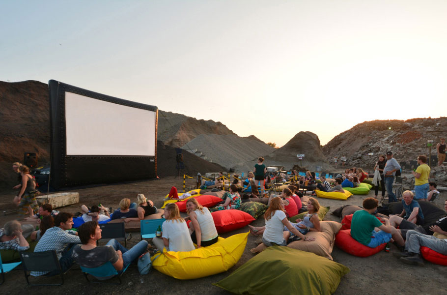 outdoor-cinema-in-the-netherlands-e1425243711285crop